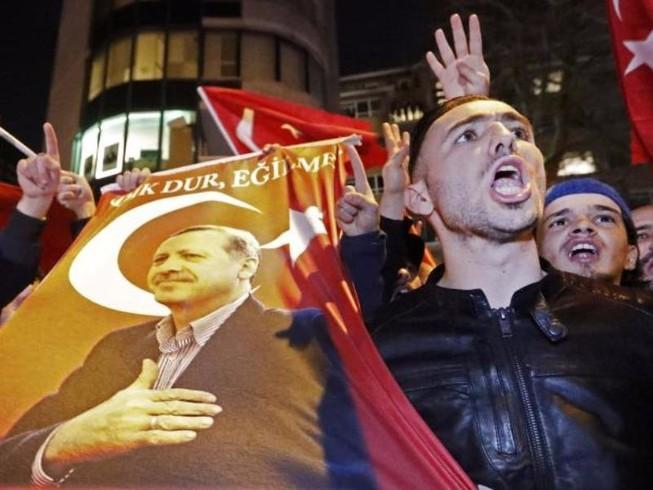 Thổ Nhĩ Kỳ: 1 mình chống cả châu Âu?
