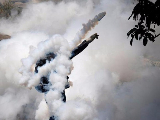 Đại biểu tình ở Venezuela, 2 sinh viên bị bắn chết