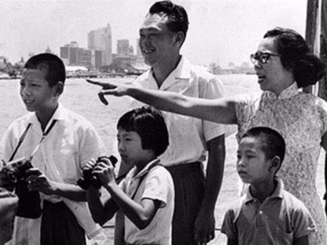 Thủ tướng Singapore xin lỗi dân vì lục đục gia đình