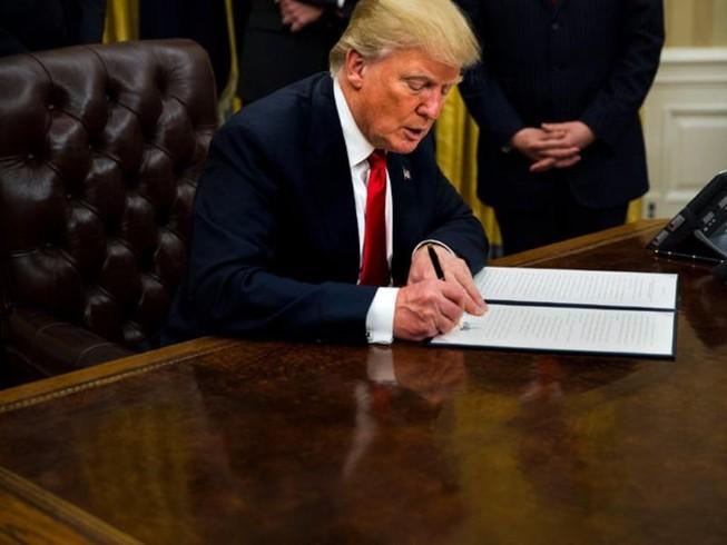 Hủy bỏ Obamacare sẽ là thảm họa với ông Trump