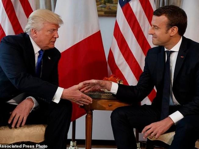 2 ông Trump, Marcon điện đàm về Syria