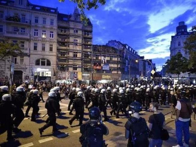 Biểu tình chống G20, 75 cảnh sát bị thương
