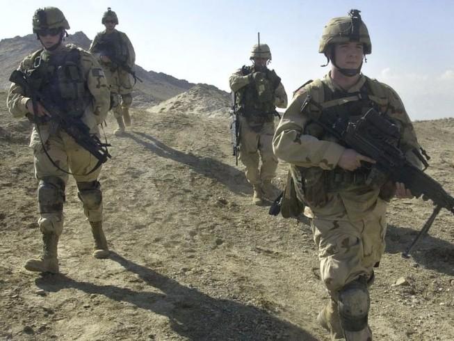 Taliban tấn công căn cứ Mỹ tại Afghanistan
