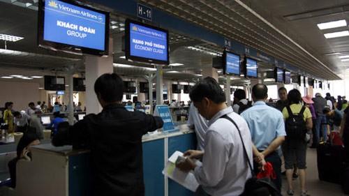 Hệ thống máy tính tại sân bay Nội Bài dừng hoạt động vì cúp điện
