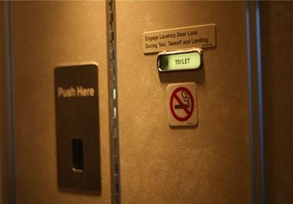 Hút thuốc trên máy bay, hành khách Hàn Quốc bị phạt 4 triệu đồng