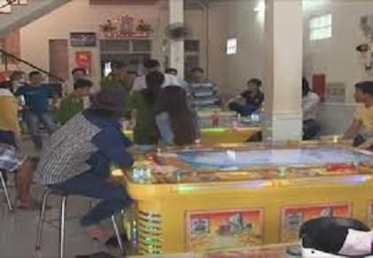 Truy bắt người dùng súng bắn trọng thương nhân viên tiệm game