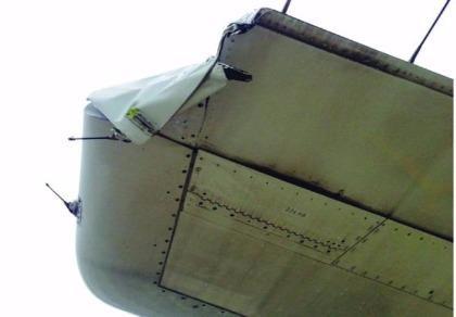 Máy bay Vietnam Airlines bị rách đuôi vì va phải cột đèn