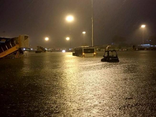 Sân bay Tân Sơn Nhất chỉ mất 1 giờ 20 phút để rút nước