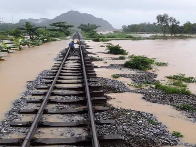 Tuyến đường sắt Bắc - Nam sẽ được thông suốt từ 17-10