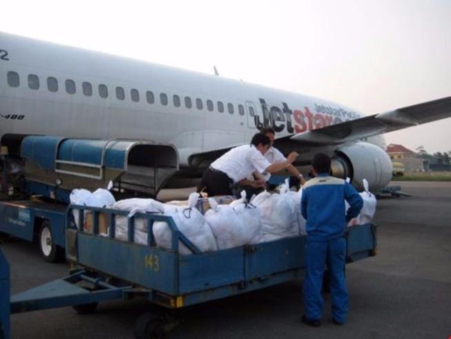 35 tấn hàng cứu trợ miền Trung được vận chuyển miễn phí
