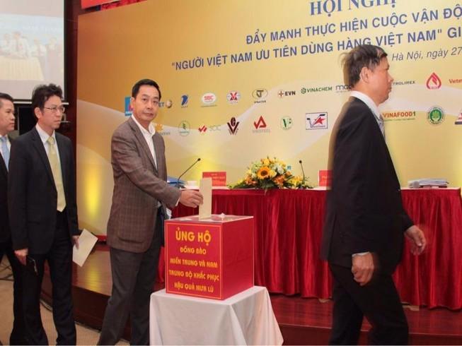 Nhân viên VNA quyên góp 2,1 tỉ ủng hộ vùng bị mưa lũ