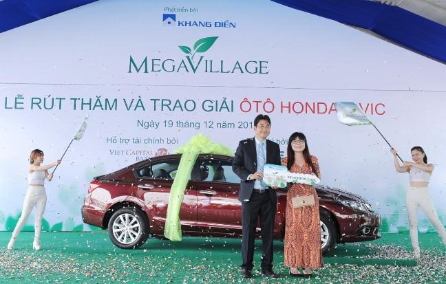 Khang Điền trao Honda Civic cho cư dân Mega Village