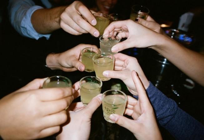 Mỗi ngày tết có 5 người nhập viện cấp cứu do rượu
