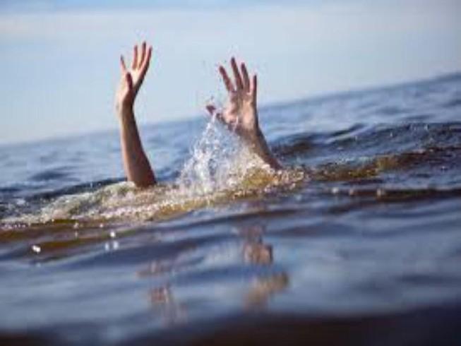 Bé gái tử vong trong bồn tắm