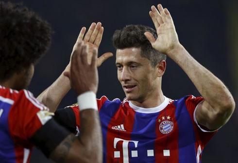 Dortmund 0-1 Bayern: Lewandowski kết liễu người cũ