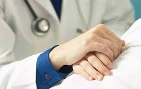 'Người dân đang khủng hoảng lòng tin với dịch vụ y tế?'