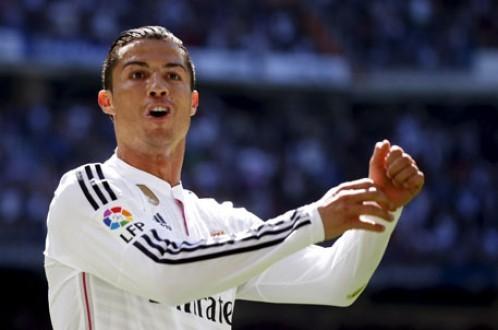 Ronaldo ghi 5 bàn vào lưới Granada