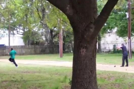 Clip cảnh sát Mỹ bắn chết người da đen gây phẫn nộ
