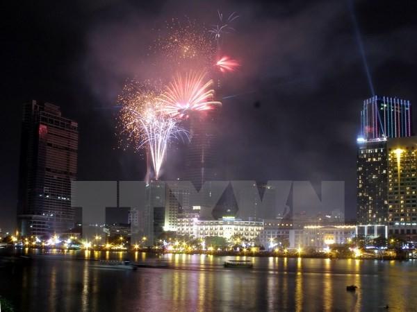 TP.HCM: Cấm người dân đứng trên cầu xem bắn pháo hoa tối 30/4