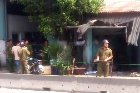 Nổ mìn trước nhà, chủ quán bị thương nặng?