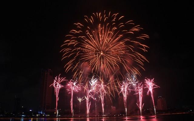 Đội Úc đạt giải nhất cuộc thi trình diễn pháo hoa quốc tế