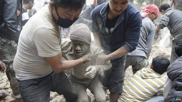 'Thần đồng' Đỗ Nhật Nam viết thơ về động đất ở Nepal