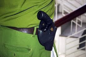 Bắt nghi can giật súng của cảnh sát 113