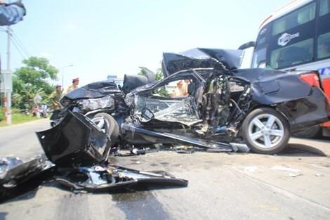 Năm tháng, gần 4.000 người chết vì tai nạn giao thông