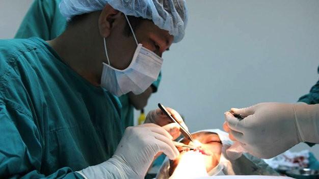 Phẫu thuật miễn phí cho người dị tật khe hở môi, hàm ếch