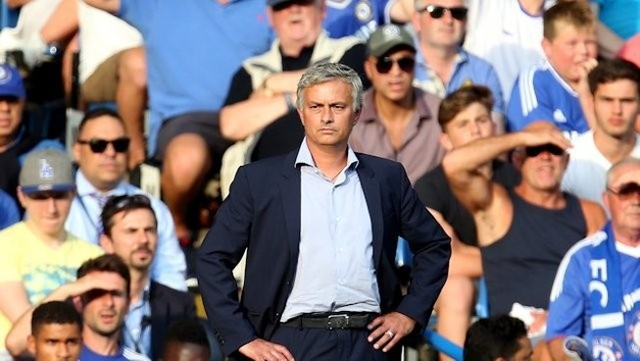 Mourinho nói gì sau trận thua Crystal Palace?