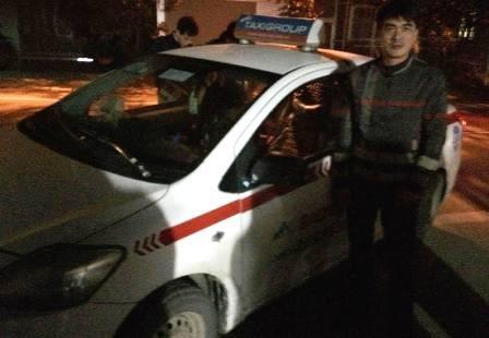 Bắt hai đối tượng dùng dao khống chế tài xế, cướp taxi