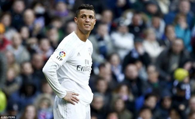 Gục ngã tại Bernabeu, Real 'đầu hàng' trong cuộc đua La Liga