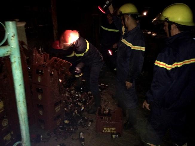 Nổ bình gas gây cháy nhà, hai người bỏng nặng