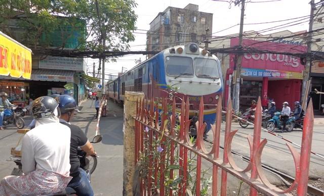 Mở tuyến tàu lửa Sài Gòn - Biên Hòa giá 10.000 đồng/hành khách