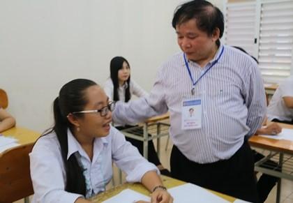"""Thứ trưởng Bùi Văn Ga: """"Phải tuyệt đối tuân thủ quy định, quy chế thi"""""""