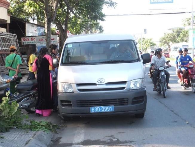 Cảm động: Công an cho chú rể 'mượn' xe đi rước dâu