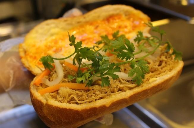 Những quán bánh mì vừa ngon, vừa lạ ở TP.HCM