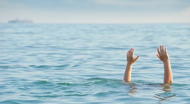Hai nữ sinh chết đuối khi đi chơi suối