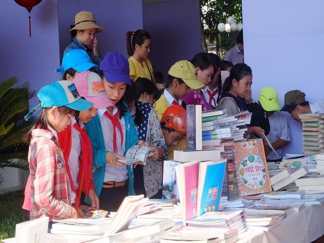 Triển lãm tư liệu 'Hoàng Sa, Trường Sa của Việt Nam'
