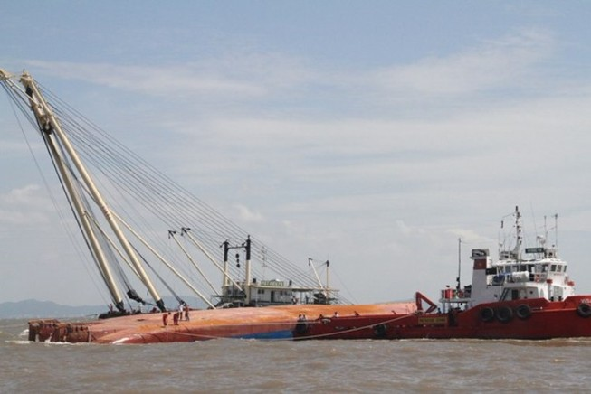Vụ chìm tàu ở Soài Rạp: Thứ trưởng Bộ GTVT trực tiếp chỉ đạo tìm kiếm