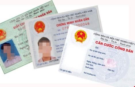 Khởi tố hai bị can làm giả CMND để xin cấp hộ chiếu