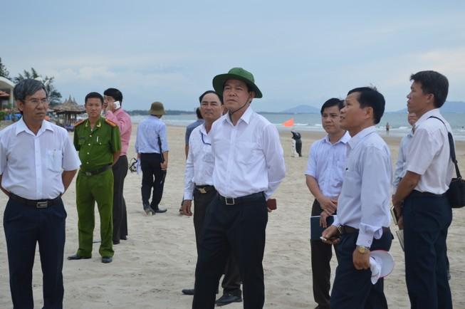 Bí thư Tỉnh ủy Bà Rịa-Vũng Tàu đi thị sát biển