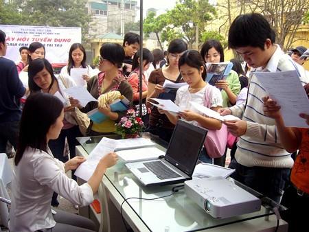 Nghỉ việc cũ, có việc làm mới thì được hưởng trợ cấp thất nghiệp?