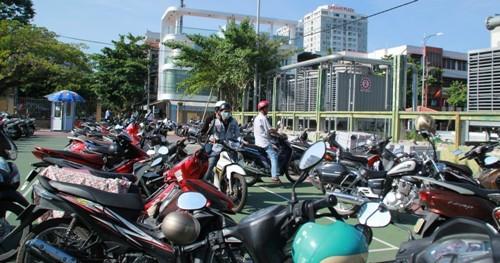 Đà Nẵng: Xe của dân hết cảnh phơi nắng dầm mưa