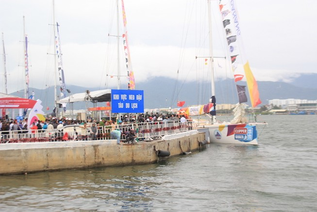 Đà Nẵng tạm dừng lưu thông qua cầu Sông Hàn, cầu Rồng