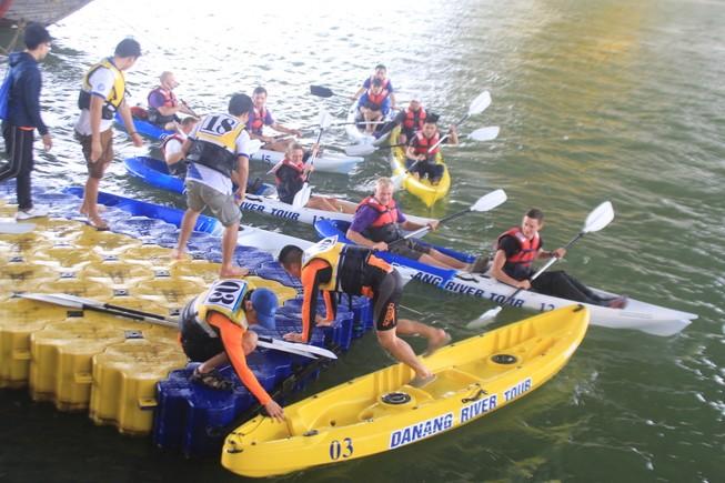 Tưng bừng cuộc đua Kayak 'Hào khí trên sông Hàn'
