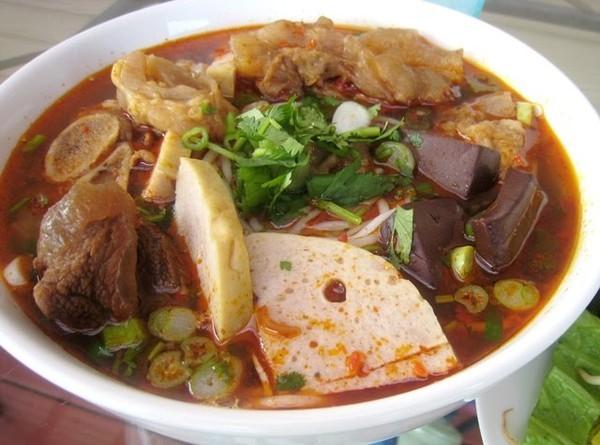 Đà Nẵng: Kỳ lạ, một tô bún mà ba sở quản lý