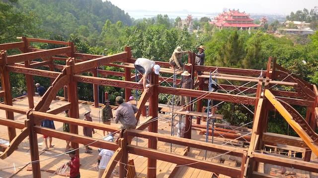 Đà Nẵng: Biệt phủ 100 tỉ sắp tháo dỡ xong