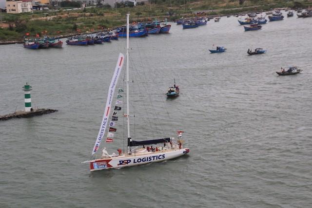 Thuyền đua Đà Nẵng gặp sự cố, các thủy thủ bị thương nhẹ