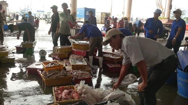 Đối thoại với ngư dân Đà Nẵng về vụ cá chết